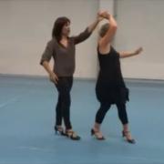Christine, professeure de danse et Brigitte, animatrice bénévole